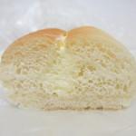パン焼き工房そーせーじ - 練乳クリーム