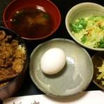 すきやき伊藤 - 牛どん 大盛り1050円