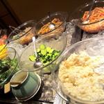 神戸ポートキッチン - サラダコーナー。