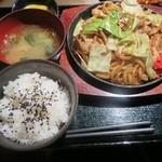 かみなり家 - 道頓堀焼きそば定食  780円