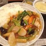 味仙 - ランチ。中華丼。野菜タップリ。