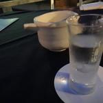 まんざら - 日本酒はすべて八海山のグラス・・・?