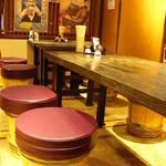 男組 釣天狗 - 樽椅子のテーブル席