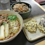 中井麺宿 - 朝の5時からこんなメニューオーダーでゴメンナサイ。