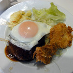 ソルタナ - B・ランチ(ハンバーグ・魚フライ・目玉焼き)