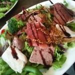 20117225 - 生はむはじめ、いろんなお肉がたんまりのサラダディッシュ