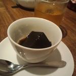 20118588 - 黒胡麻の羊羹・黒蜜がけ