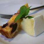 ビストロ プペ - 8)フロマージュブランのムースとサクランボのタルト