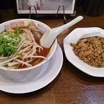 新福菜館  - ミニセット(ミニラーメン+ミニ焼飯)800円