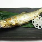 太助寿し - 極上の天然の鮎は塩焼きで…