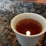 鮨 つかさ - まずはお茶・・。