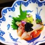 20122758 - 鯛の昆布締め 梅肉ソース