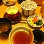 遊食房屋 - 遊食房屋 五穀米、漬物、茶碗蒸し