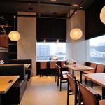 博多華味鳥 - 新宿三丁目駅からすぐ、上品な都会のオアシス