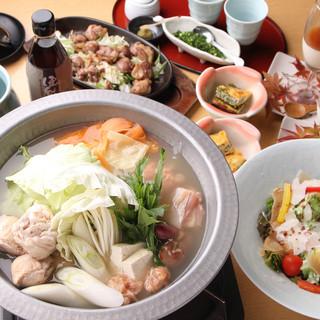 秀逸の自信作『博多名物水たき鍋』とは、博多で育まれた味