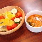 水戸チーズバル - セットのサラダとスープ(2013.7月)