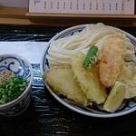 手打うどん かとう - ざるうどん、野菜天ぷら乗せ