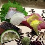 20137343 - 産地直送旬の鮮魚三種盛合せ