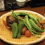 素揚げや - 2013.7 素揚げ野菜おまかせ盛り合わせ(700円)