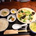 20138921 - 八宝菜定食800円