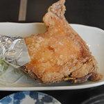 鶏の白石 - 唐揚(モモ)拡大
