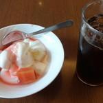 20142679 - デザート、アイスコーヒー