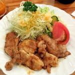 ヴォーカル - チキン生姜焼き800円