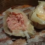 青龍門 - 旨味あふれるピンクの豚肉