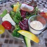 ザ バラティ オーシャンクラブ - 10種の農園とれたて野菜のフレッシュサラダ(\980-)