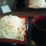 温井製麺 - てんこ盛りうどん430円