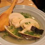 魚のてっぺん - ハマグリの酒蒸し。お出汁まで美味しい!身がぷりっぷり
