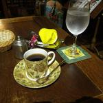 詩瑠絵燈 - 料理写真:おしぼりやお水も良い