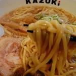 香月 - 麺は中太平打ち麺