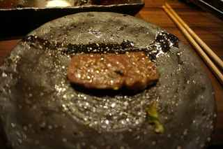 焼肉鍋問屋 志方 - 火が通った後に頂くと、程よくサシも乗っているお肉なので、想像通り柔らか旨しでした。