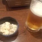 ねぎたん塩・ホルモン 嬢々苑 - ポテトサラダとビール