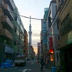 鉄板焼 ろじ - 錦糸町からツリーを見ながらお店に向かいました 2013/05