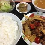 珍香苑 - 牛肉の中華風炒め定食650円