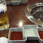 焼肉ホルモン佐々木家 - 味噌だれと醤油だれ