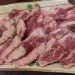 焼肉ホルモン佐々木家 - 食べ放題のお肉