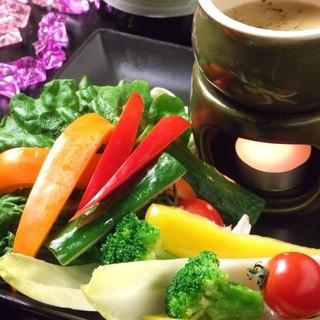 野菜を色々使った創作料理、サラダ、パスタが人気☆