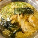 火の国 文龍 菊陽バイパス店 - 醤油(鶏ガラ):590円