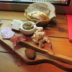キュイジーヌ エ ヴァン アルル - シャルキュトリー お肉屋さんの惣菜盛り合わせ