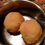 Puja - ココナッツ団子
