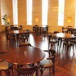 喫茶フェリーチェ - 4人席8テーブルご準備致しております。