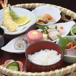 和風厨房 りゅう扇 - ◆籠盛弁当 945円◆