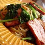 マイカイ - 料理写真:ほうれん草とベーコンのパスタ(塩味)