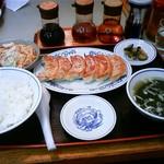 古寿茂 - ランチの餃子定食(650円)です