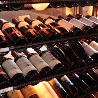 イタリアワインを常時100種類近く揃えています♪