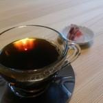 20206388 - ホットコーヒー+こはくとう