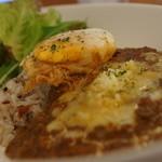 ココロスコーンカフェ - 半熟揚げ玉子と挽肉カレー